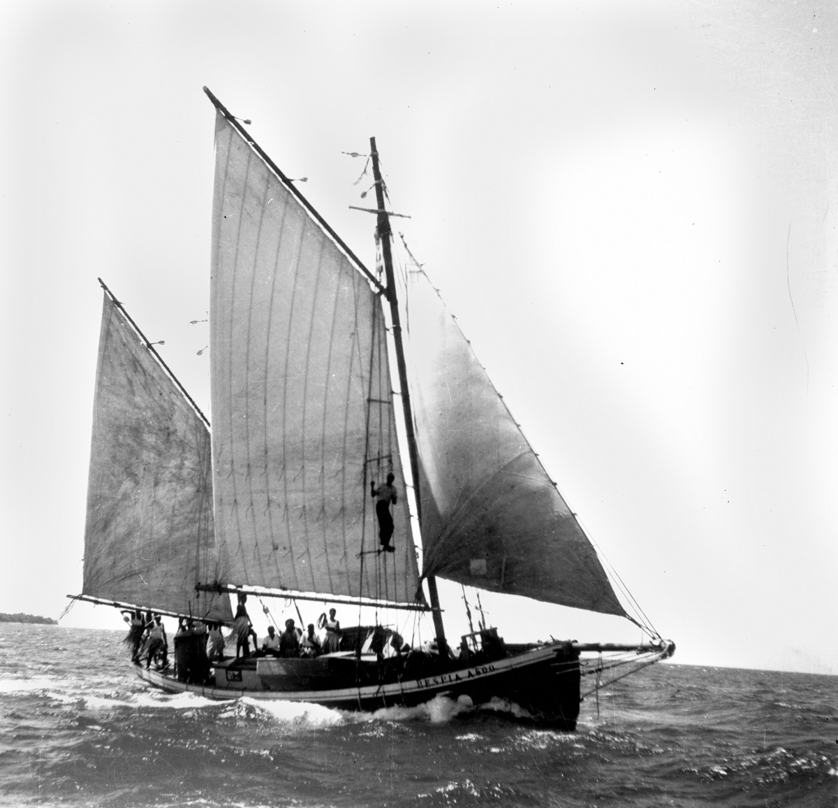 Pearling lugger in the Torres Strait